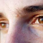 مميزات اصحاب العيون العسلية