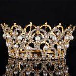 غرائب بعض الملكات عبر التاريخ