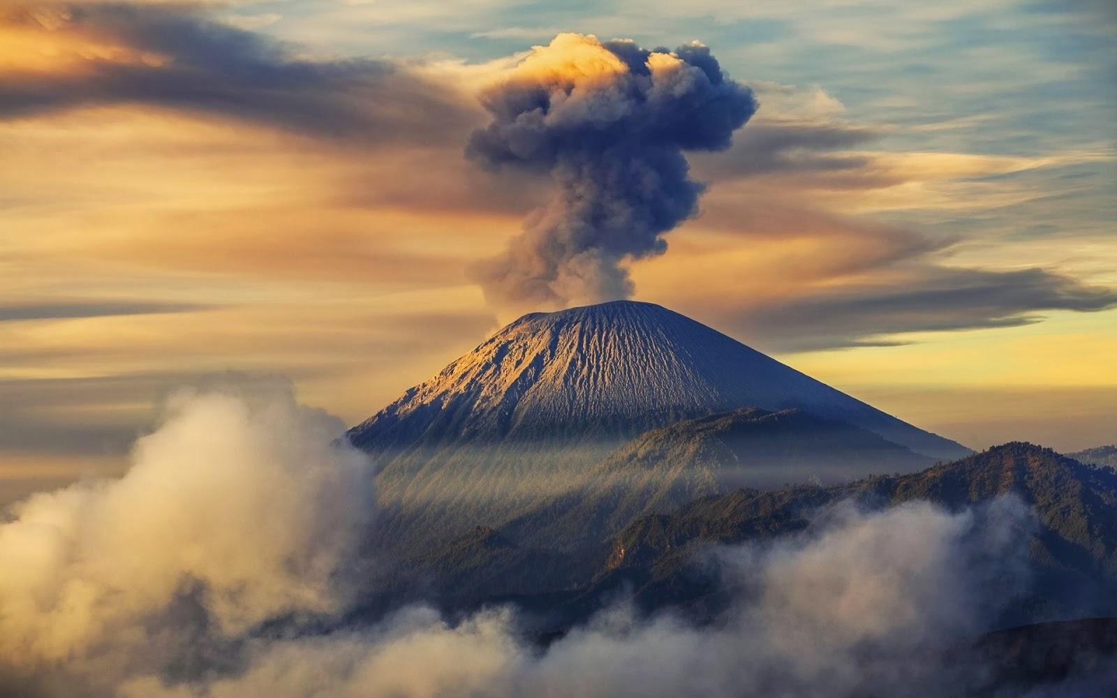 بركان غونونغ سيميرو