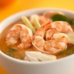 طريقة تحضير حساء توم يام التايلاندية