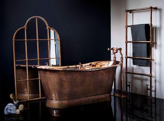 حمام باللون البرونزي و الاسود
