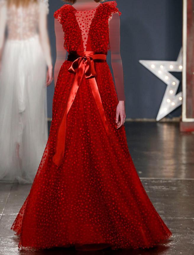 9f213c5daa37f فستان احمر واسع