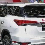 التصميم الخلفي للسيارة تويوتا فورتشنر TRD 2018 - 513619