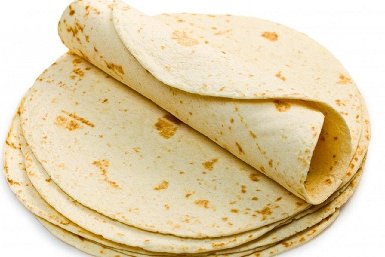 لخبز السوري الرقيق، والمعروف أيضاً باسم الخبز الصاج، والذي يعتبر