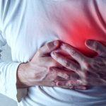 كيفية التمييز بين حرقة الصدر والنوبة القلبية