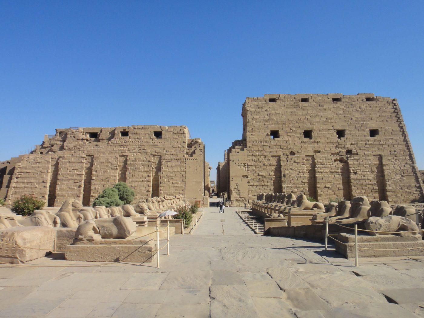 الإله من أعظم الأعياد السنوية في مصر القديمة . مراحل