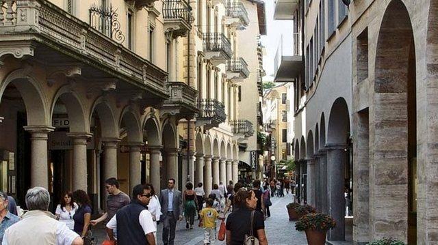 شارع فيا ناسيا في لوقانو