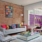 غرف معيشة صغيرة تجمع بين الطراز الإسباني و العصري