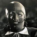 قصة الرجل ذو القناع الحديدي لـ فولتير
