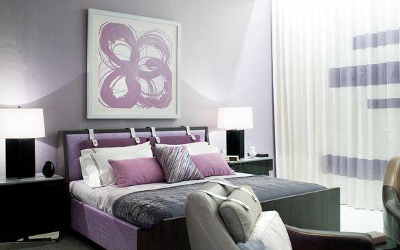 غرفة نوم باللون الرمادي و البنفسجي | المرسال