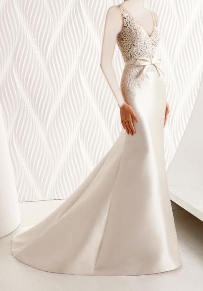 88bb2c7b6 فستان زفاف ضيق   المرسال