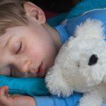 المفهوم الخاطئ للنوم عند الأطفال وطرق تصحيحه