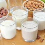 أنواع الحليب المختلفة والمنافع الصحية لكل منها
