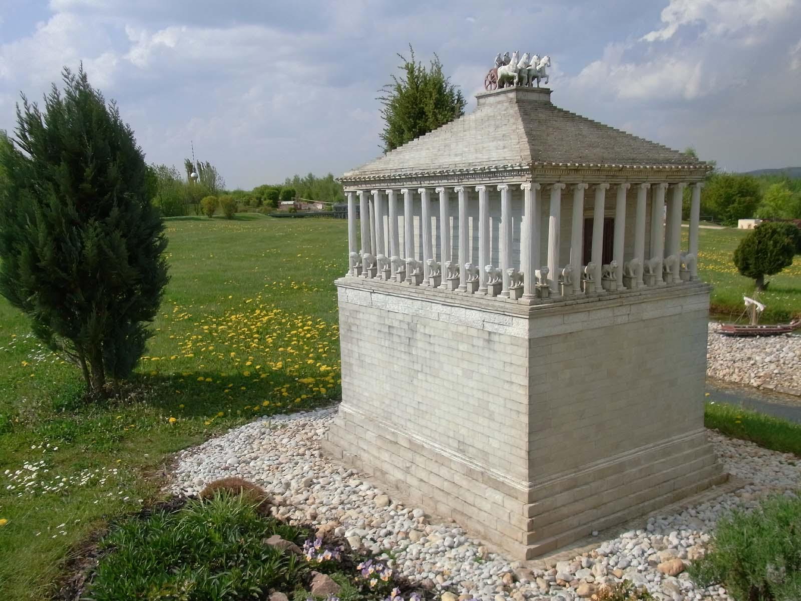 мавзолей в галикарнасе фото представление