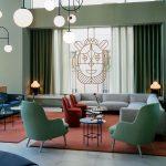 غرف معيشة مودرن من تصميم  Jaime Hayon