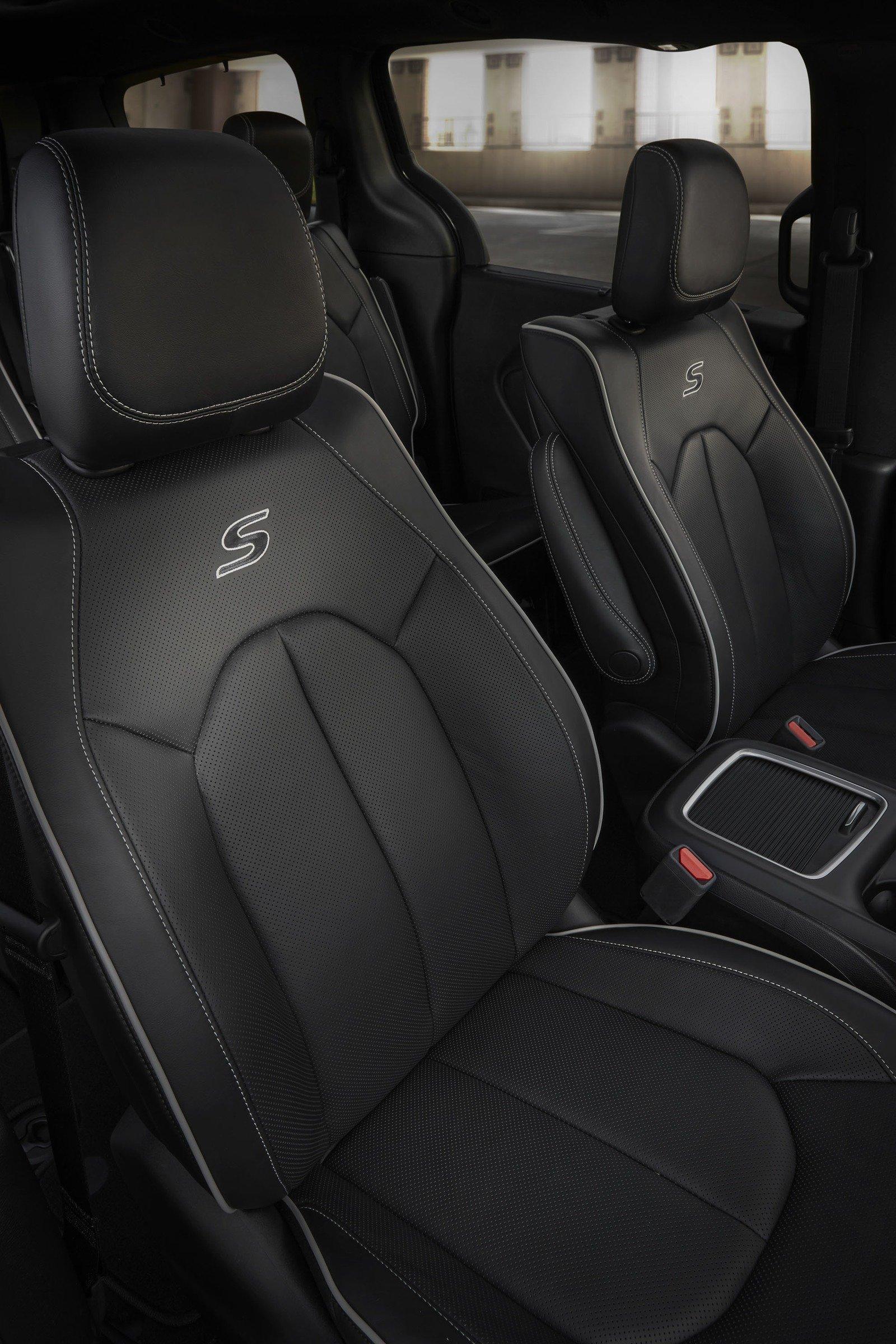 المميز السيارة كرايسلر باسيفيكا 2018