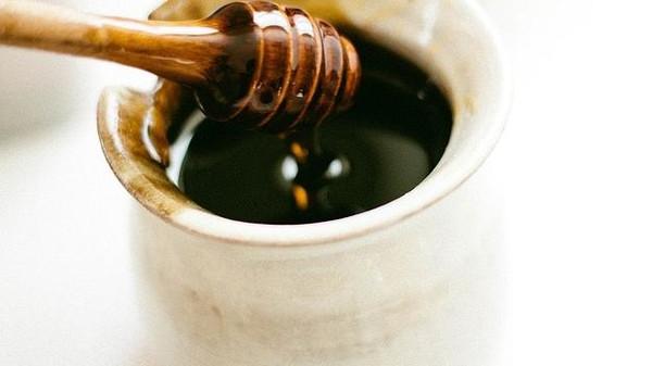 الأضرار الجانبية للعسل الأسود المرسال