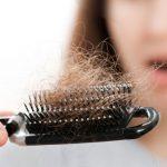 سبب تساقط الشعر من الجذور