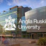 جامعة انجليا روكسين و أهم تخصصاتها