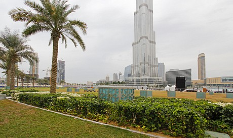 حديقة البرج في دبي بالصور المرسال