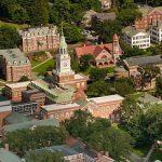 تخصصات كلية دارتموث الأمريكية