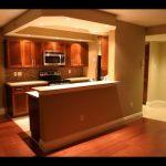 مطابخ امريكية مفتوحة على غرفة المعيشة