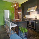 مطابخ عصرية بألوان جذابة