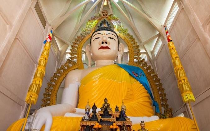 معبد آلاف الأضواء