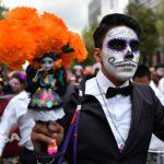 أغرب مهرجانات الموتى في مدغشقر و المكسيك