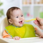 الخطوات المتبعة لتجشؤالطفل