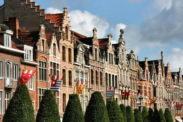 القديم - السياحة في مدينة لوفان البلجيكية