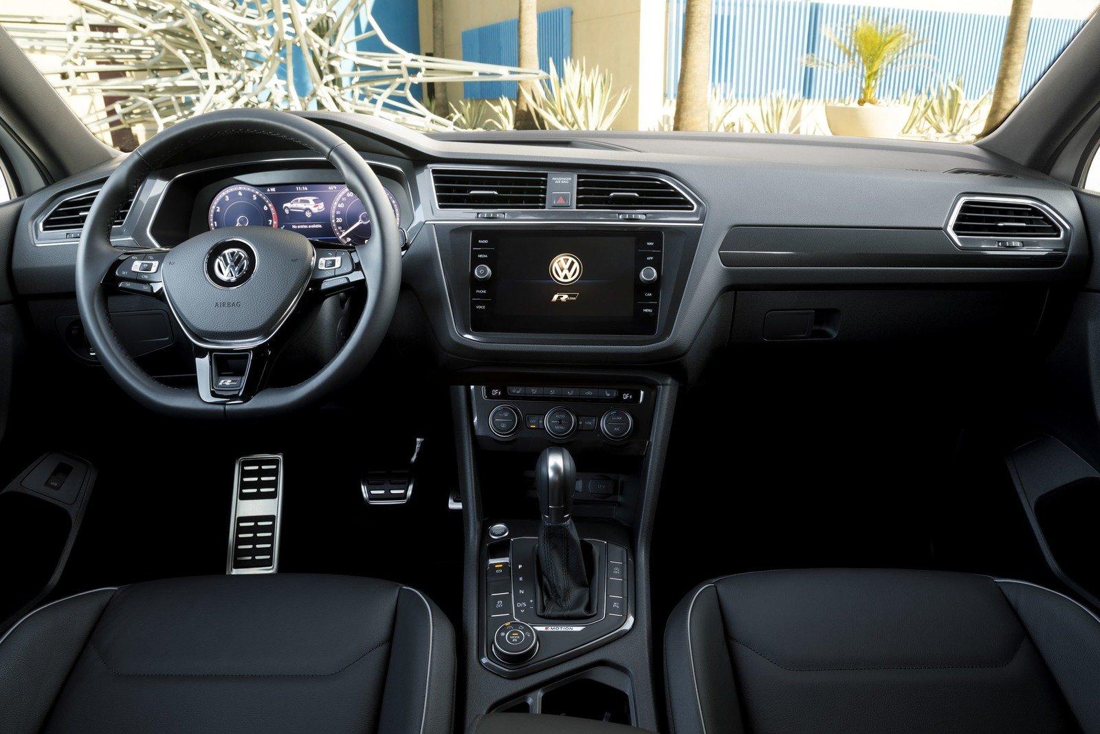 volkswagen unveils the tiguan 2018 r-line sports version Volkswagen unveils the Tiguan 2018 R-Line sports version  D8 AF D8 A7 D8 AE D9 84 D9 8A D8 A9  D9 81 D9 88 D9 84 D9 83 D8 B3  D9 88 D8 A7 D8 AC D9 86  D8 AA D9 8A D8 AC D9 88 D8 A7 D9 86 R Line 2018