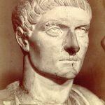 الإمبراطور قسطنطين مؤسس مدينة القسطنطينية