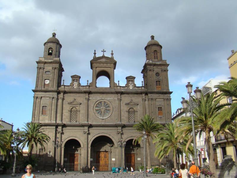سانتا - السياحة في مدينة لاس بالماس الأسبانية
