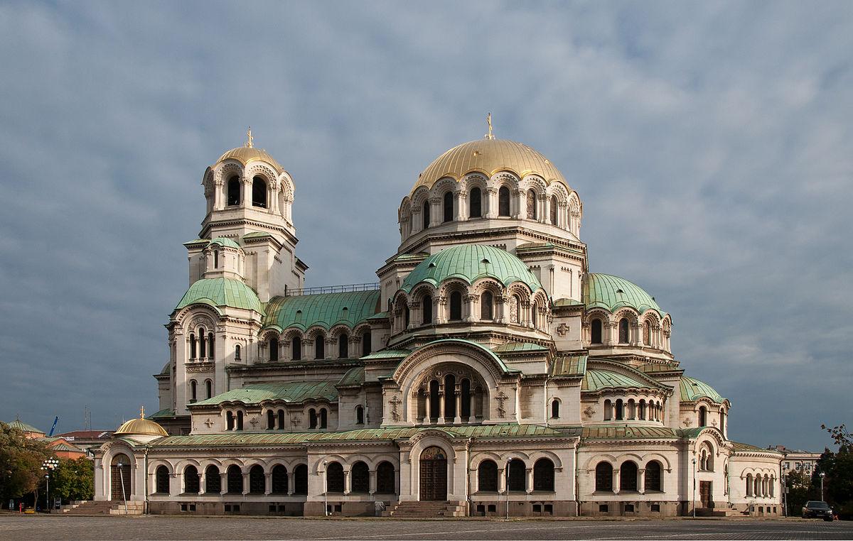 Alexander Nevsky Cathedral - السياحة في مدينة نوفوسيبيرسك الروسية