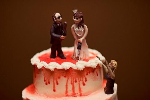 أغرب عادات الولادة و استقبال المواليد في العالم كيك-الزفاف.jpg