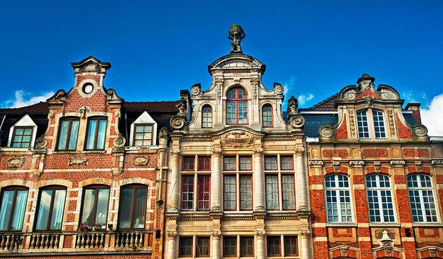 نامسسترات - السياحة في مدينة لوفان البلجيكية