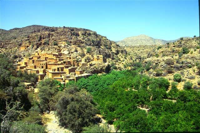 مناطق السياحة الطبيعية بسلطنة عمان الجبل-الأخضر.jpg
