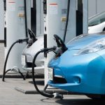 أهمية أول محطة لشحن السيارات الكهربائية بالسلطنة