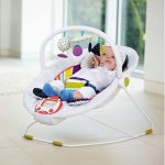 فوائد و اضرار  الكرسي الهزاز للاطفال