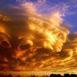 تفسير رؤية إنشقاق السماء في المنام