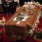 أغرب الجنازات و مراسم الدفن حول العالم