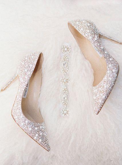 338bb4ce9 أحدث أحذية الزفاف 2018   المرسال