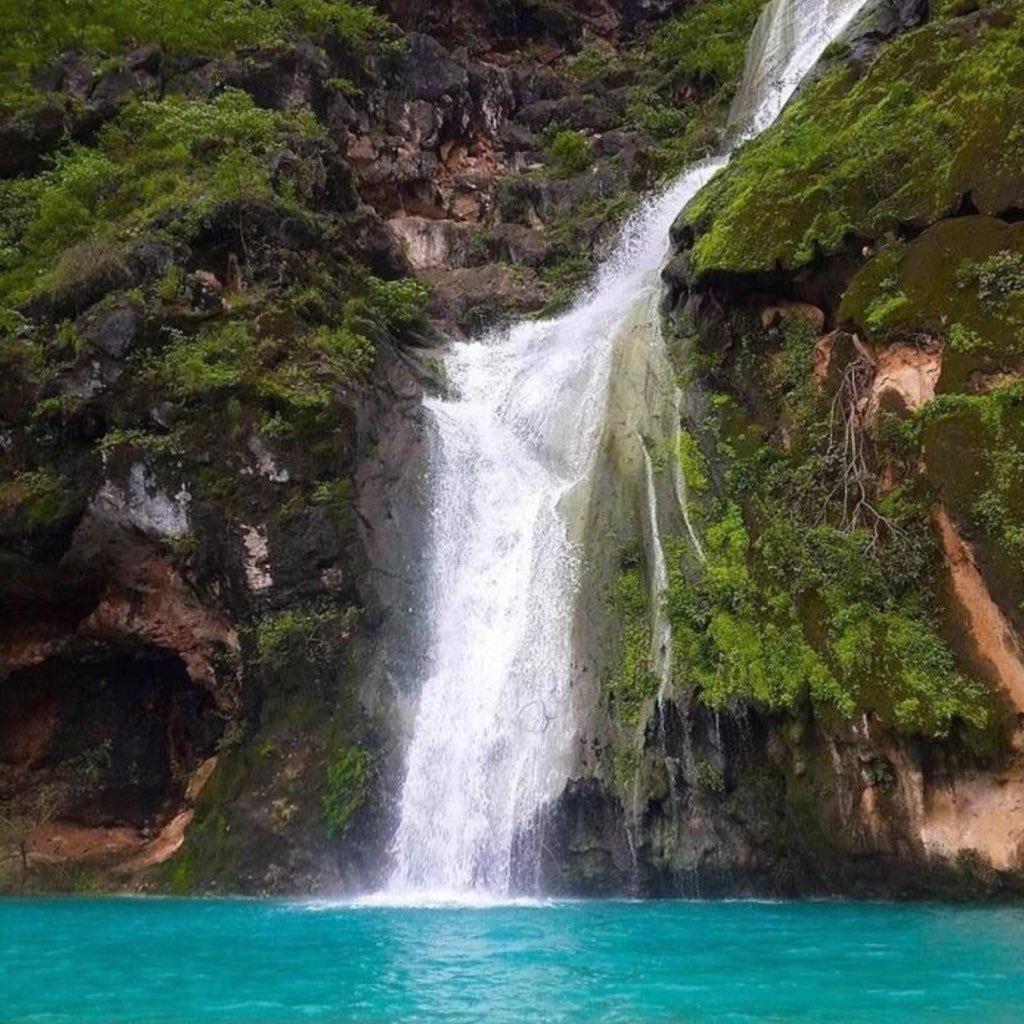 مناطق السياحة الطبيعية بسلطنة عمان خريف-صلالة.jpg