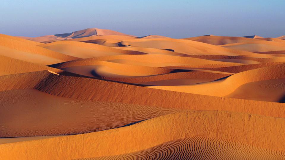 مناطق السياحة الطبيعية بسلطنة عمان رمال-الشرقية.jpg