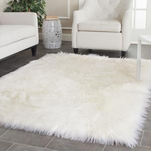 Best 25 White Fur Rug Ideas On Pinterest Fluffy Rugs Bedroom And