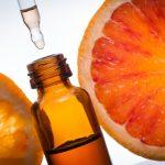 كيفية تطبيق سيروم فيتامين ج على البشرة