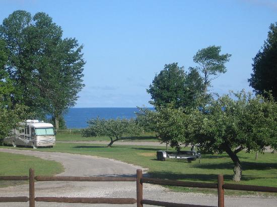 أجمل الشواطئ في ولاية ميشيغان الأمريكية شاطئ-Orchard-Beach-S