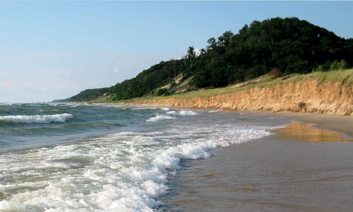 أجمل الشواطئ في ولاية ميشيغان الأمريكية شاطئ-Saugatuck-Dunes