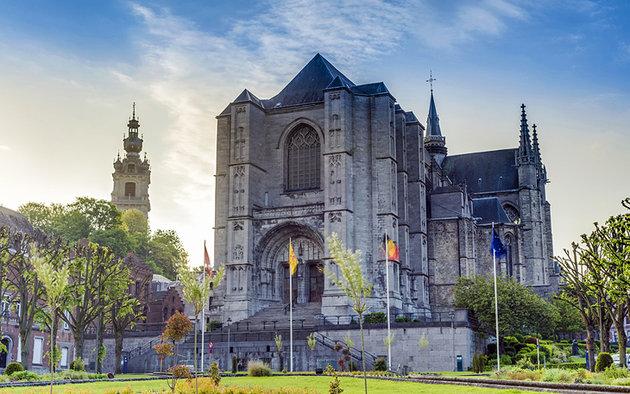 سانت وودرو - مدينة مونس البلجيكية